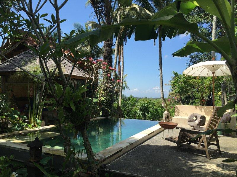 TAMAN OSHUN é um elegante, arejado villa de palha - o lugar perfeito para relaxar.