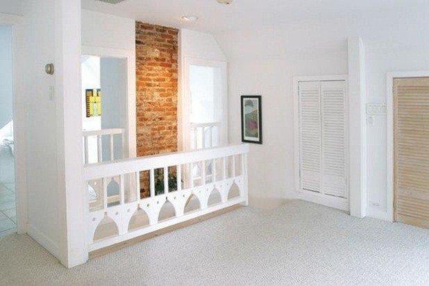 porte francese al largo della 2 ° piano corridoio porta ad una molto speciale ritiro camera da letto al 3 ° piano