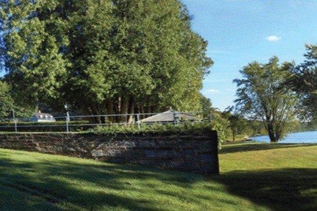 Tentacolare lungofiume prato sottostante il campo da badminton - grande per croquet, pic-nic e l'aquila-watching
