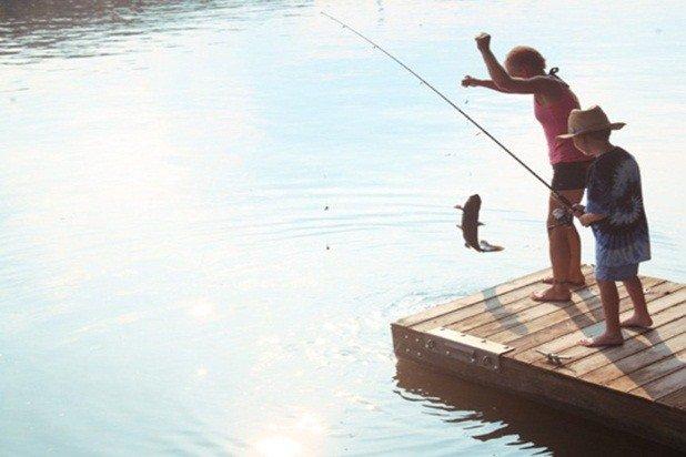 Il fiume CT ha eccellenti per la pesca (licenza req) per bocca grande spigola, pesce gatto, luccio ...