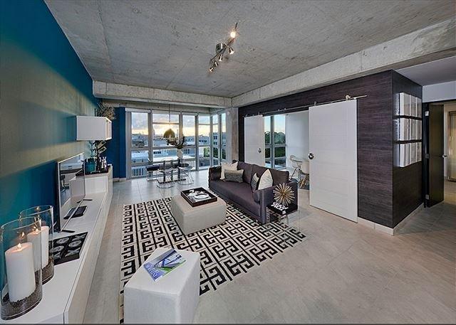 San Juan MODLoft, aluguéis de temporada em Miami Springs