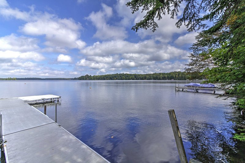 Land O'Lakes Escape: Private Waterfront, Boat Dock, holiday rental in Star Lake