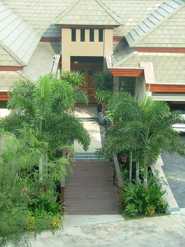 L'entrée à la Villa