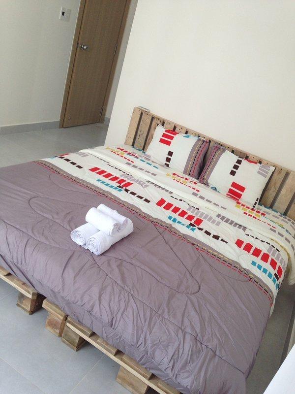 Brand new and stylish condo Clean & Peaceful, holiday rental in Thu Dau Mot