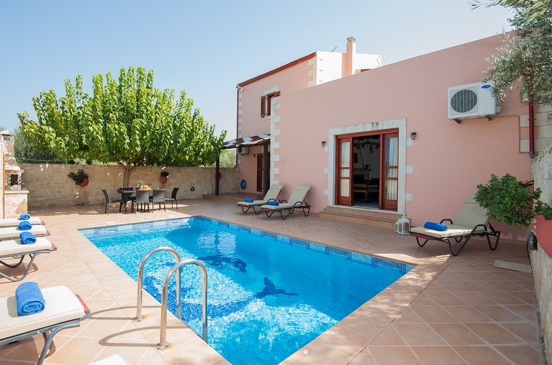 Villa Kalypso...private pool and peaceful environment