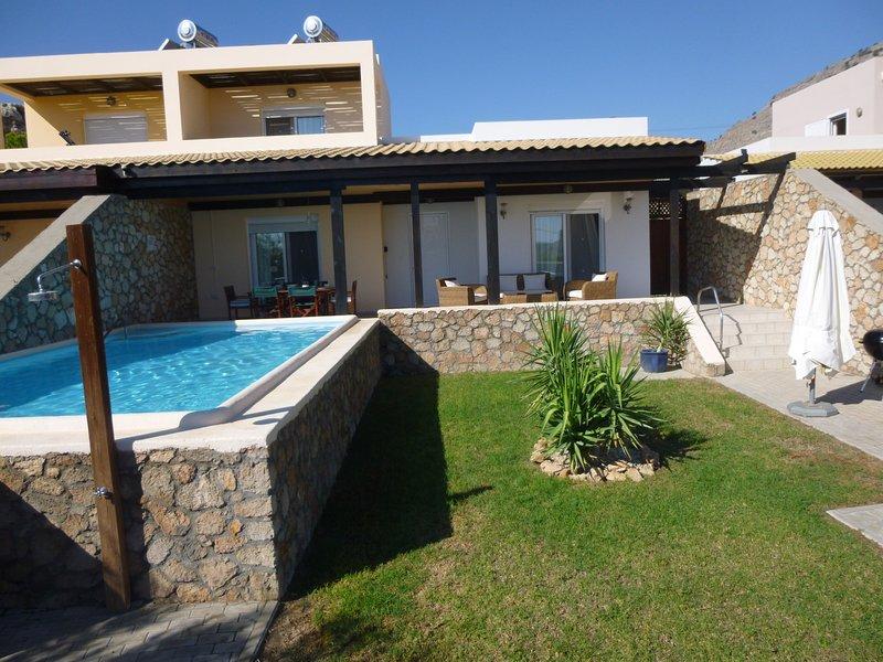 Villa Calypso 2, Psaltos, Lindos. EOT Licensed, location de vacances à Lindos