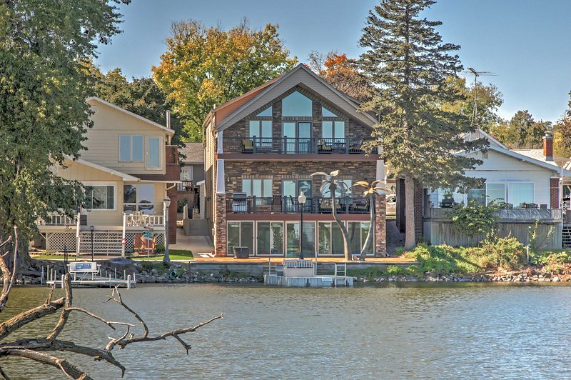 Find peace and serenity at this lakefront Lake View vacation rental house!