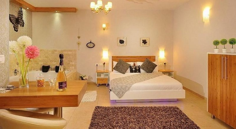 paradais in the heights famliy suite, holiday rental in Qatsrin