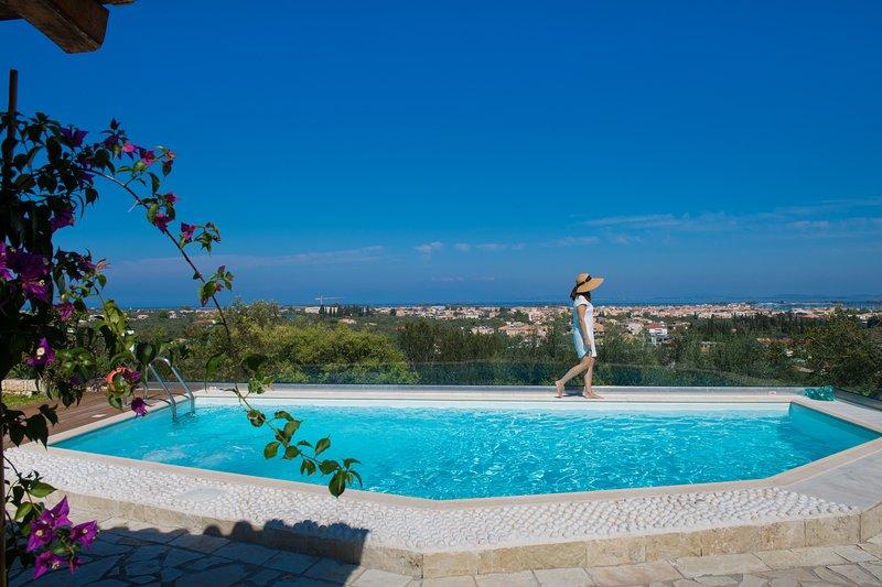 Villa Phedra, con vistas sobre el mar jónico
