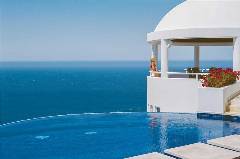 Relax in Elegance with Amazing Ocean Views at Villa Clara Vista!, holiday rental in Cabo San Lucas