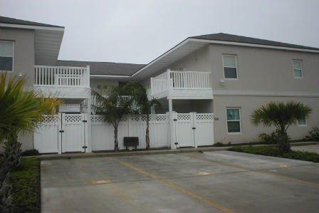 Los Cabos II condominiums