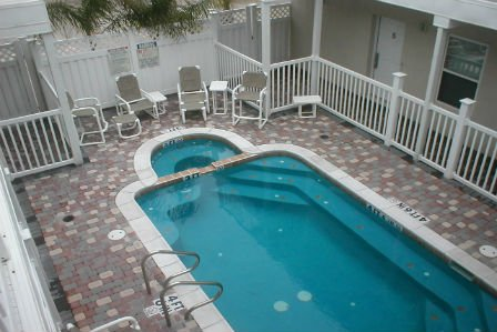Los Cabos II #1 2-3 minute walk to beach access, CLOSE TO ENTERTAINMENT DISTRICT, holiday rental in South Padre Island