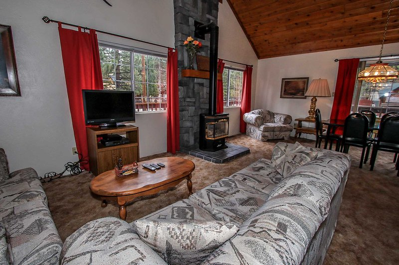 Toasty Fireplace & Flat Screen TV/DVD Available