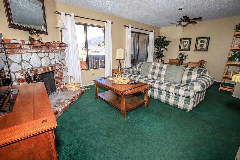 1417-Boulder Creek Condo, holiday rental in Angelus Oaks