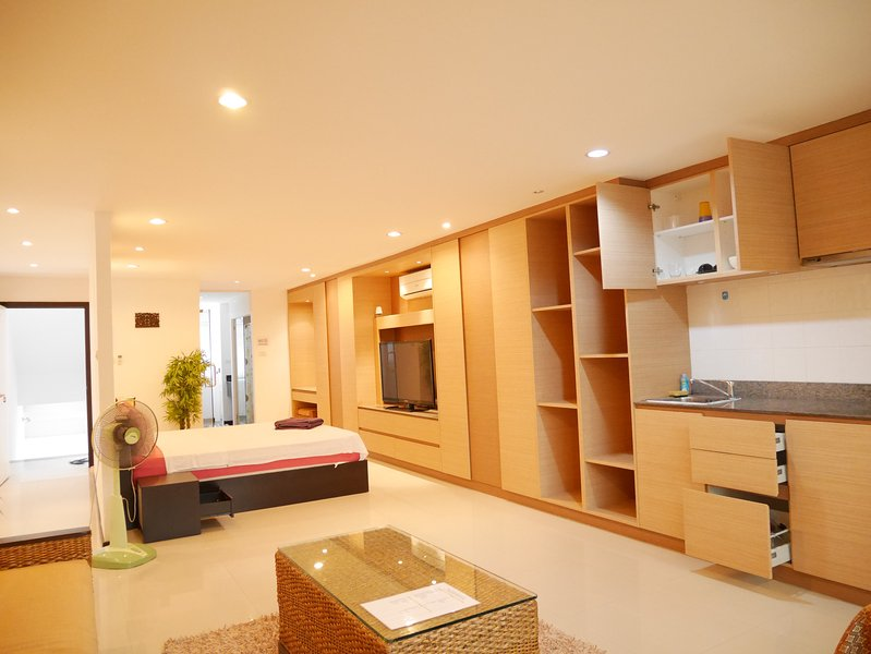 Deluxe Studio Apartment (Lamai beach), vacation rental in Lamai Beach