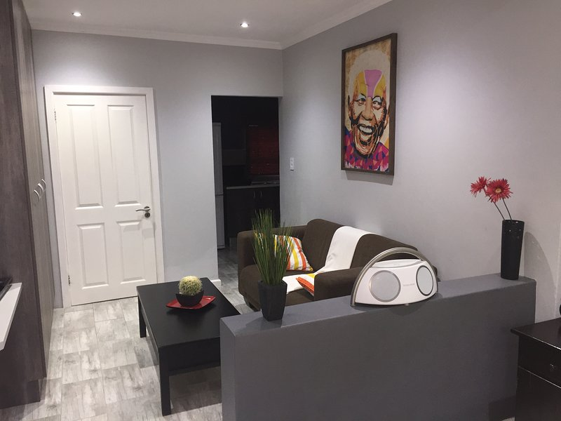 RElaxed city living, vacation rental in Port Elizabeth