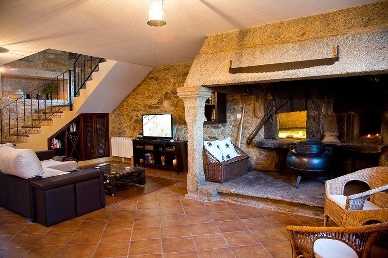 Maravillosa vivienda rural, alquiler íntegro, holiday rental in Friol