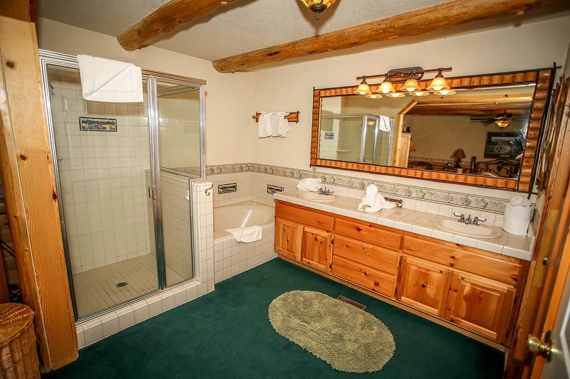 Quarto 1-banho aberto privado com banheira de hidromassagem