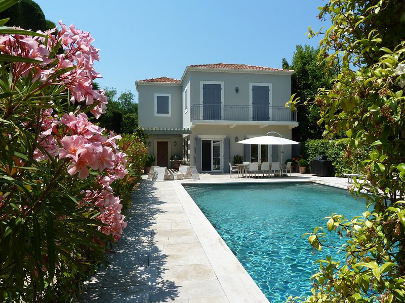A little paradise on the Cap with HEATED POOL, alquiler vacacional en Juan-les-Pins
