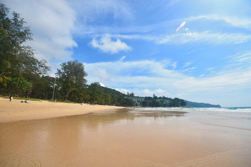 la playa de Surin