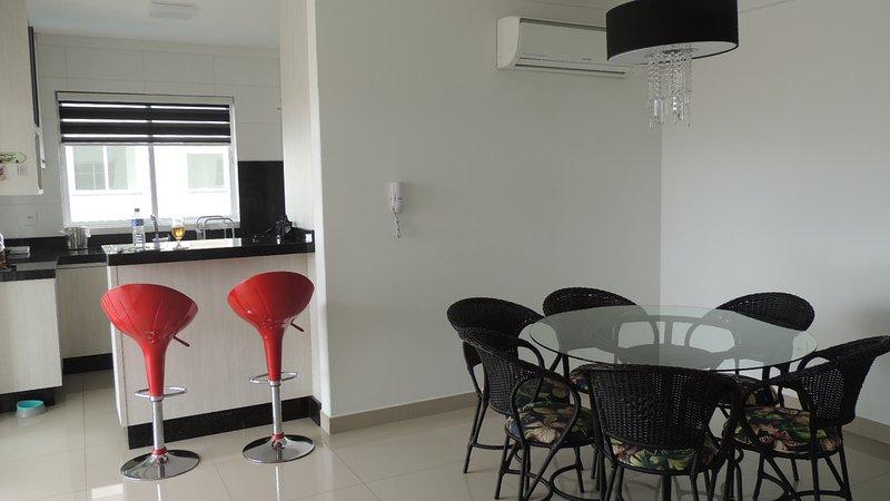 Excelente apto, vacation rental in Porto Belo