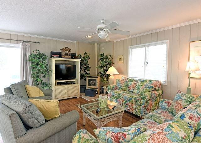 Shore Fun - Living Room