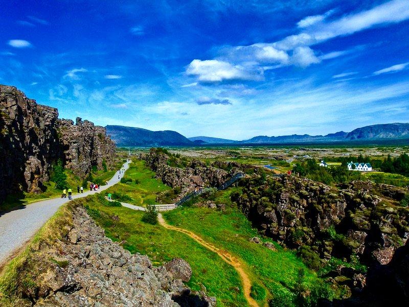 El lugar histórico de Þingvellir, donde los vikingos se reunieron