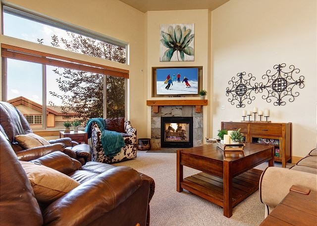 Remarkable Bear Hollow Townhome w/ Private Hot Tub & Mountain Views, vacation rental in Park City