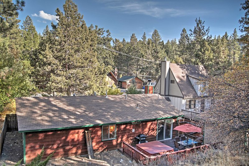 This Big Bear vacation rental cabin is the perfect escape!