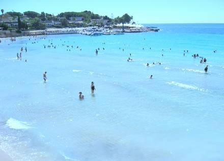 Appartamento Anzio piano terra in villa vicino al mare, vacation rental in Cassibile