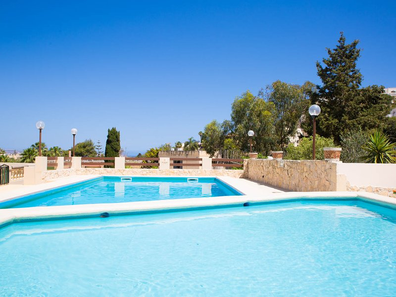 Villa Sunny Side Adults and separate children's pool. Perfect for families with young children.