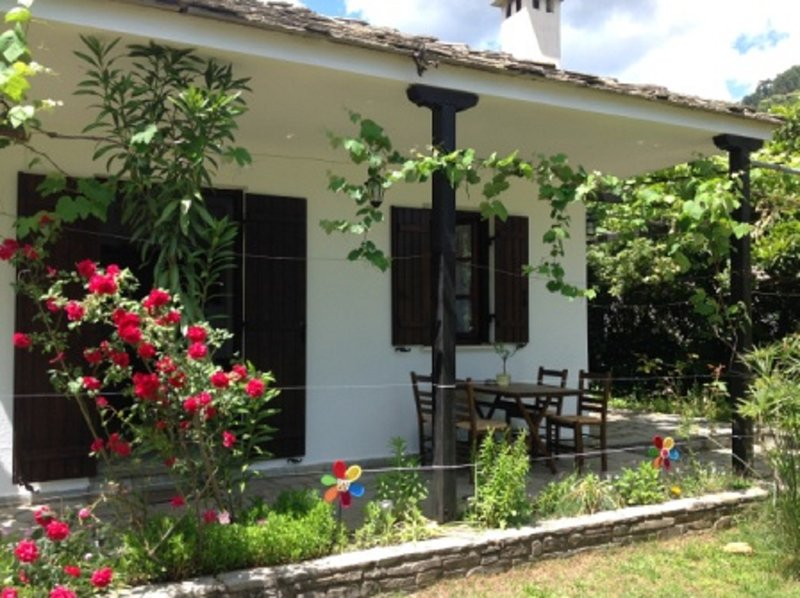 Golden Beach Villa 2, location de vacances à Skala Panagia