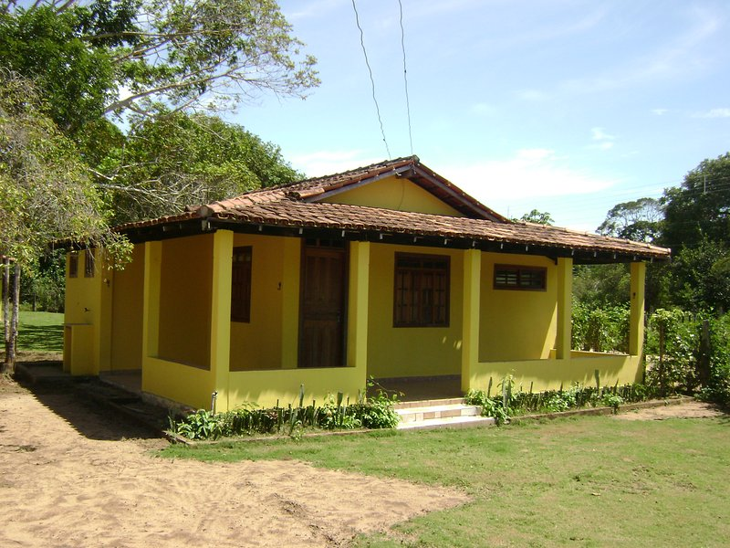 CHALÉ AMARELO, holiday rental in Prado