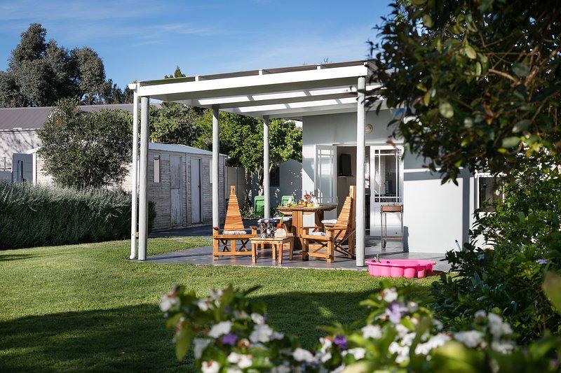 16 Garden cottage - self-catering – semesterbostad i McGregor