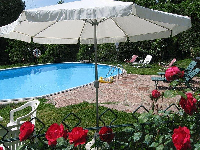 Casa Andrea, 4/ 6 bedrooms, 4/5 bathrooms, pool!, holiday rental in Vergemoli
