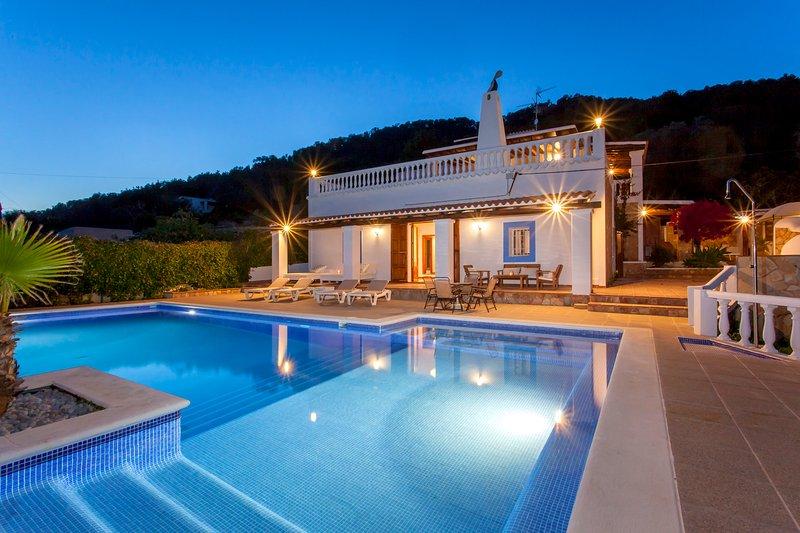 Villa Paris with panoramic views set in San Antonio hills, holiday rental in Sant Antoni de Portmany