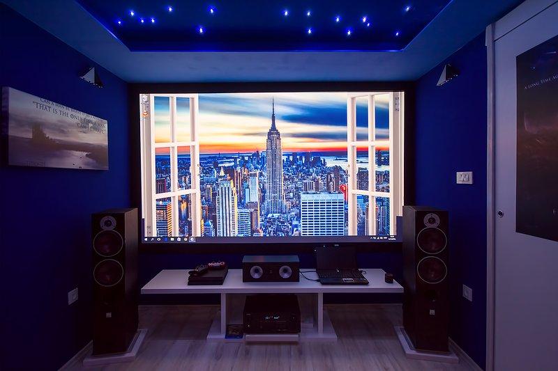 Cinéma avec écran de 300 cm et son Dolby 7.2, PC et PS4