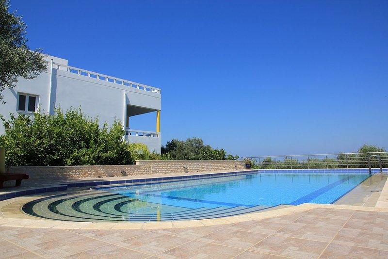 M&M Villa (Large Private Pool), vakantiewoning in Kolymbari