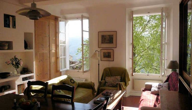 Lounge avec des vues magnifiques sur Bargemon