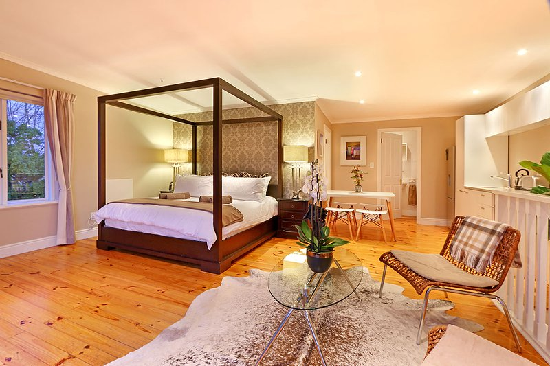 Maple Cottage has a gorgeous four poster bed!
