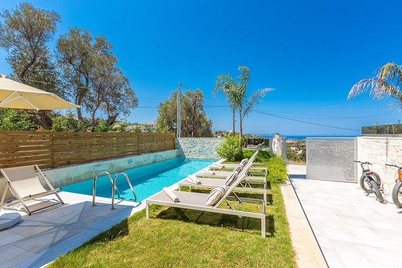 Villa Hera has a 25 m2 private swimming pool!