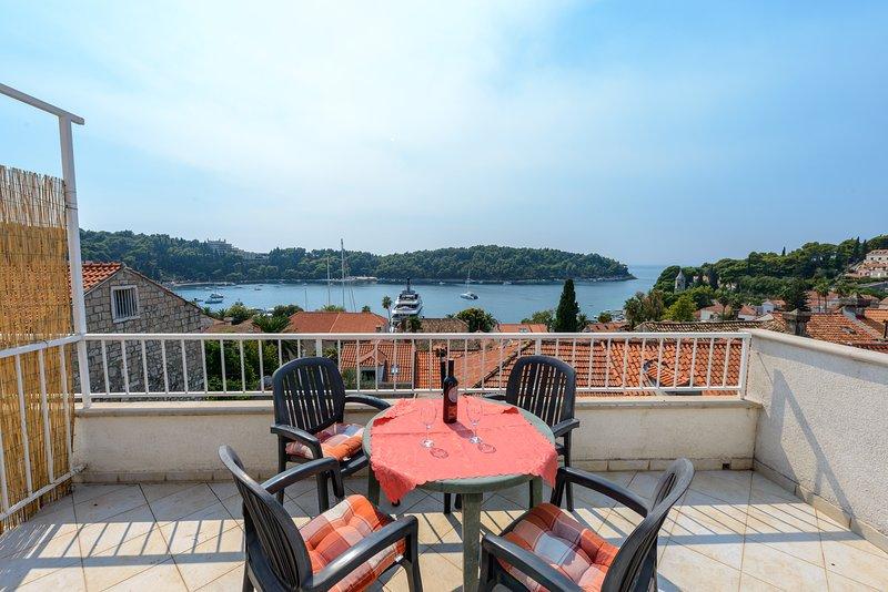Möblierte Terrasse mit atemberaubendem Blick auf Cavtat Bucht