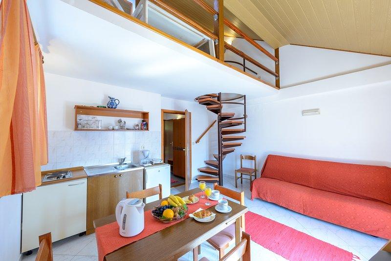 Lounge / Ess- / Küchenbereich