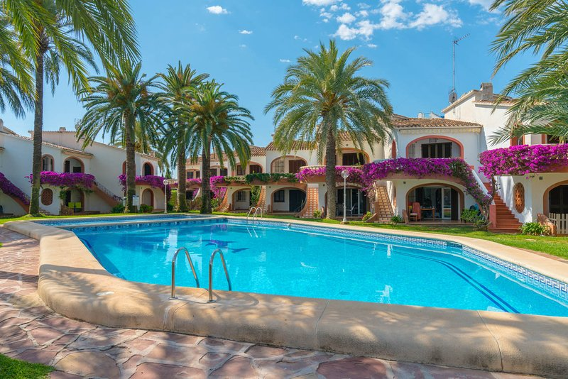 ALQUILER PRECIOSO BUNGALOW EN DENIA, location de vacances à Denia