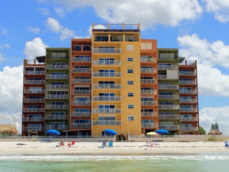 Edificio en condominio directamente en el Golfo de México