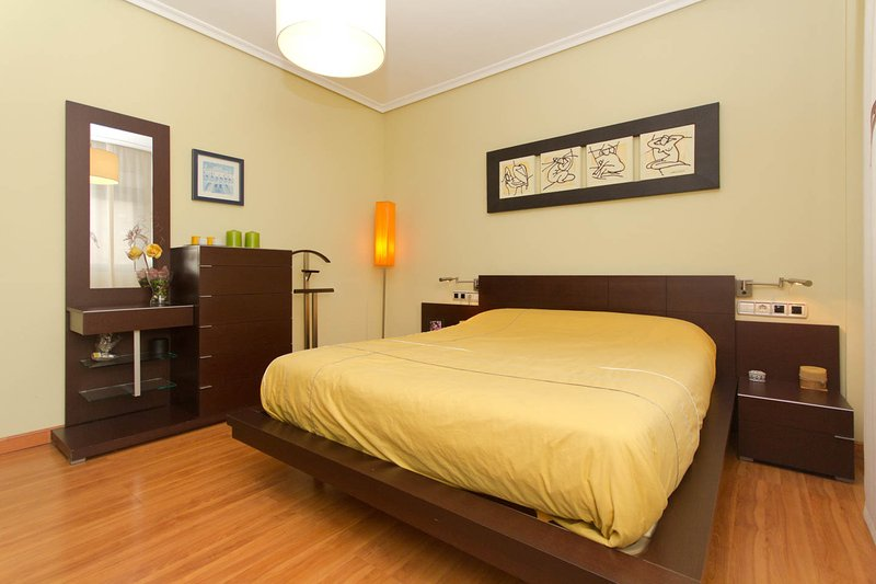 Master bedroom with bed 150 cm
