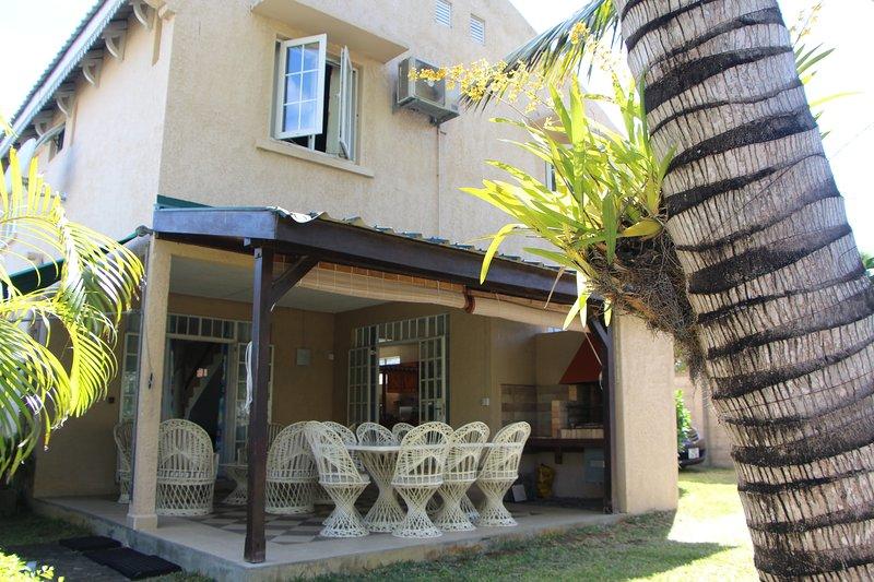 Palbeka 4 - La casa en su jardín cercado privado