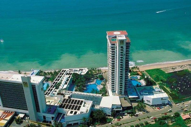 El Cid El Moro Beach: 2-BR, Sleeps 10, Kitchenette, location de vacances à Mazatlan