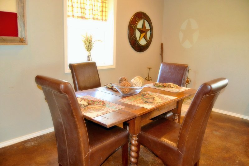 Hill Country Hideaway, holiday rental in Harper