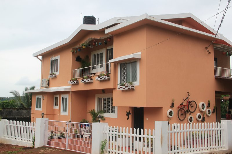 The Assagao House Luxury Villa with a Pool, Ferienwohnung in Mapusa